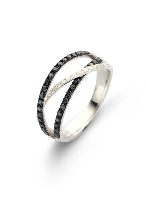 Diamond Point Black Ring in 14K Weißgold