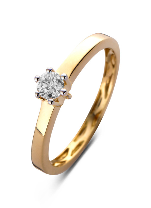 Diamond Point Solitair ring in 14 karat yellow gold