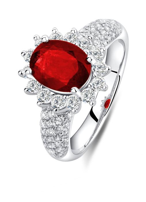 Diamond Point Majestic ring in 18 karat white gold