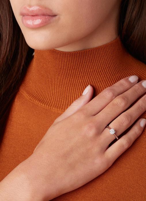 Diamond Point Enchanted ring in 14 karat white gold