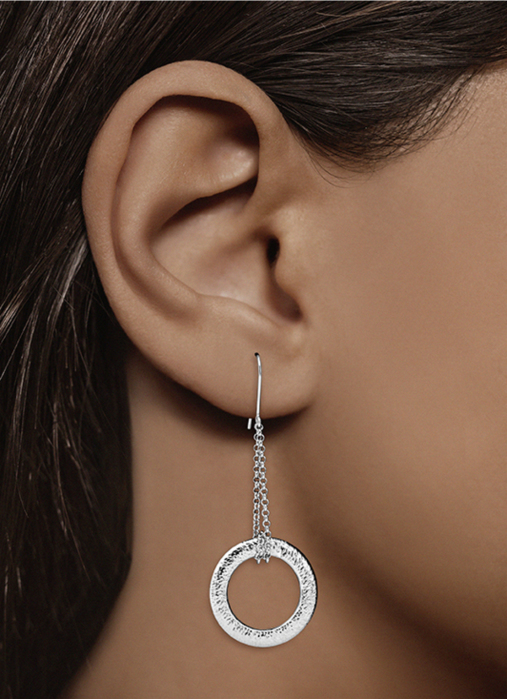 Diamond Point Timeless treasures earrings in 18 karat white gold
