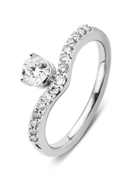 Diamond Point Wedding ring in 14 karat white gold